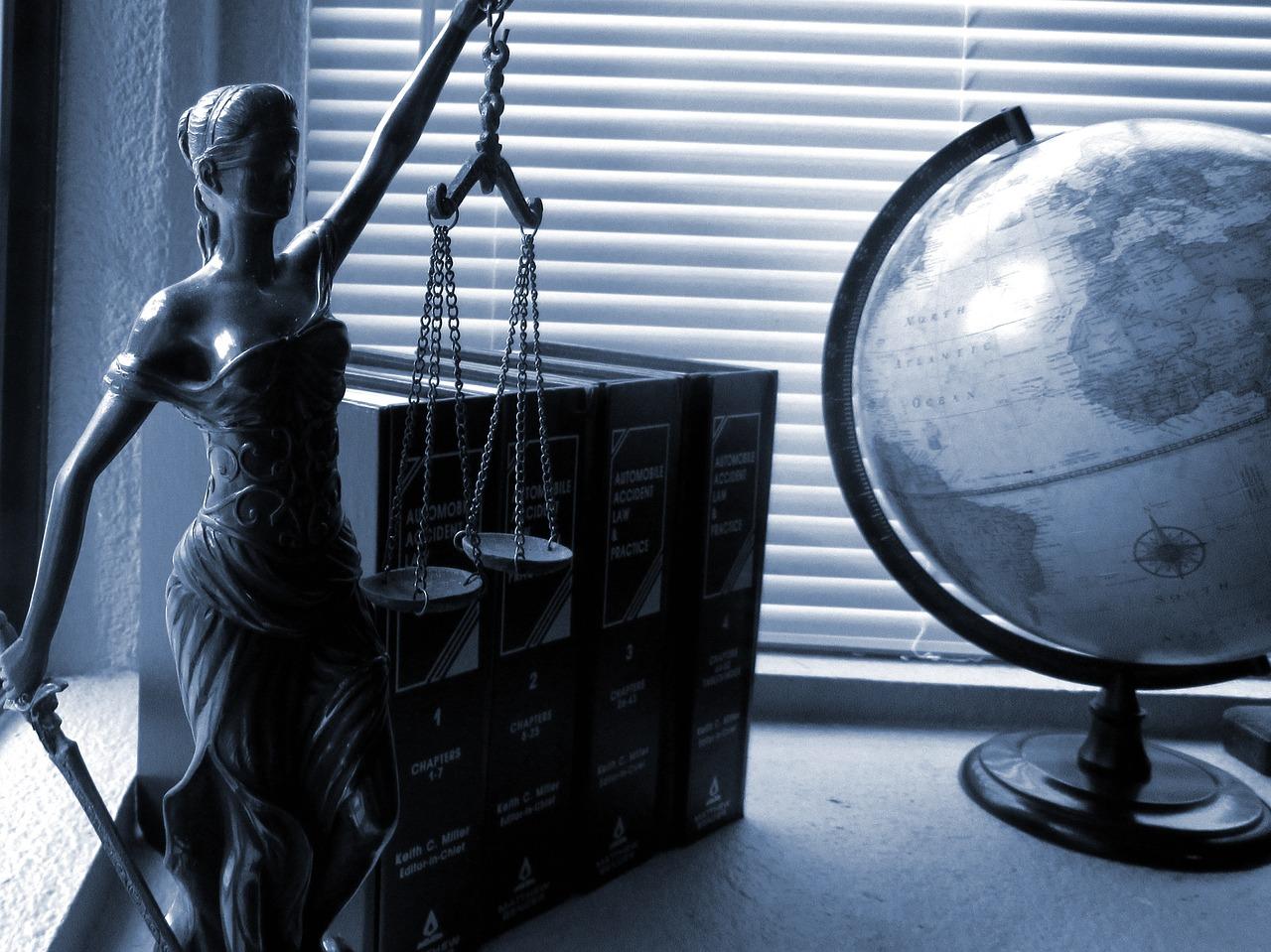 Jak spoglądać na aktualne prawo?